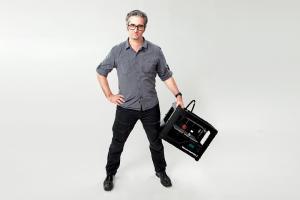 Makerbot-Chef Bre Pettis freut sich über den gelungenen Merger.