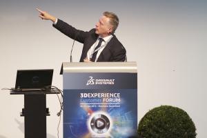 Catia-CEO Philippe Lauffer zeigt, wo es hingeht. (Bild: Dassault Systèmes)