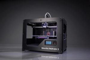 Makerbot Replicator 2 - weit entfernt von der Anmutung eines Eigenbaugeräts. (Bild: Makerbot)