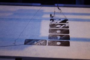 Mangelnde Haftung: Die Bauplattform sitzt hinten zu tief, der Fadeb verbindet sich nicht mit der Plattform.