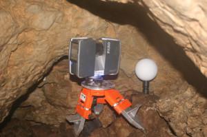 Der Faro-Scanner in der Kirschkernhöhle