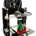 Los geht's: Ein 3D-Drucker wird gebaut