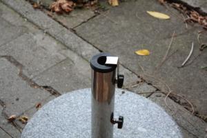 Der Schirm ist zu dünn für den Ständer? Macht nix, ein Adapter ist schnell gedruckt.