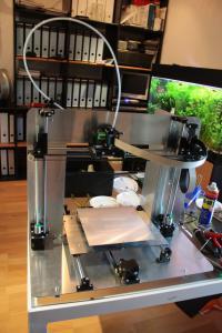 Sieht schon wie ein echter Drucker aus: Mein Mendel90.
