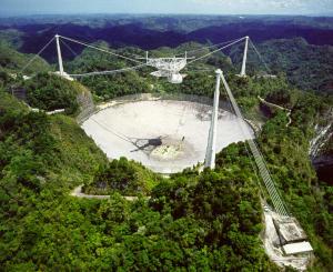"Arecibo - das Weltraumteleskop, das mit ""Contact"" zuletzt im Kino war (Bild: NAIC - Arecibo Observatory, a facility of the NSF)."