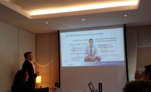 Uwe Burk präsentiert die aktuellen Lizenzzahlen von SolidWorks.