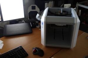 Ein echter Schreibtisch-3D-Drucker: Der Neo von German RepRap.