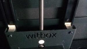 Hohe Qualität: Linearlager und Trapezspindel von igus in der Witbox.