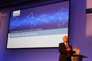 CEO Chuck Grindstaff eröffnete die Siemens PLM Connection 2015.