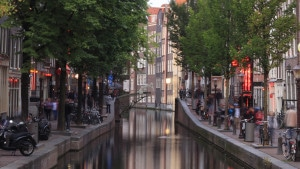 Im nächsten Jahr will MX3D die erste Brücke 3D-Drucken - mitten in Amsterdam (Bild: Joris Laarman/MX3D).