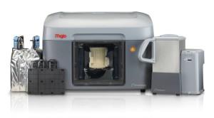 Der Stratasys Mojo mit Waschstation, Bauplattform und Druckmaterial (Bild: Stratasys).