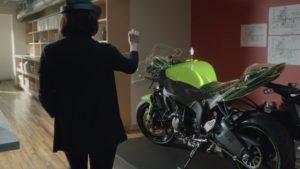 Die Zukunft der Konstruktion? Mixed bzw. Virtual Reality vermischt das 3D-Modell mit der Realität (Bild: Microsoft, Screenshot aus dem HoloLens-Video).