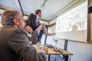 Verbindung von Digital und Virtuell: Sogar das Nachwippen des Roboterarms findet seinen Weg zurück in die Simulation.