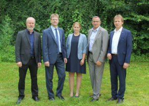 Um die neue Partnerschaft kümmern sich (v.l.n.r.):Ralf Prinz (CTO Inneo), Jürgen Vogt (Geschäftsführer Cadfem), Nathalie Mattwich (Vertrieb Cadfem), Gerhard Rieger (Vertriebsleiter Inneo) und Helmut Haas (Geschäftsführer Inneo) (Bild: Inneo).