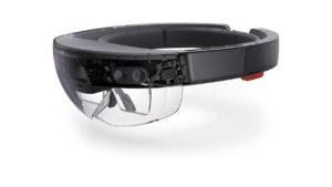 Hololens hat durchsichtige Gläser, durch die die Realität sichtbar ist (Bild: Microsoft).