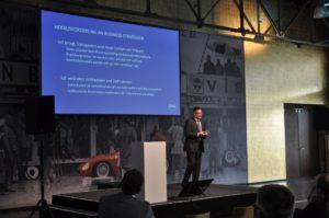 Otto Schell von der Deutschsprachigen SAP-Anwendergruppe erläuterte die Vorauissetzungen für Digitalisierung.