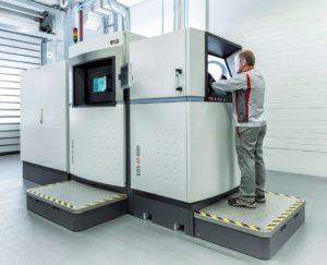 Im Beratungsprogramm Additive Minds werden Audi-Mitarbeiter gezielt mit AM und den EOS-Maschinen vertraut gemacht.