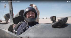 Physik live: Derek Muller fährt Blackbird